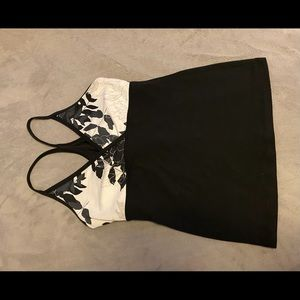 Lululemon black and white floral tank top